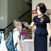 Hà Nội: Học sinh, phụ huynh mong sớm được trở lại trường học