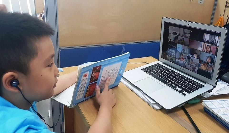 Hà Nội tiếp tục duy trì việc dạy và học bằng hình thức trực tuyến