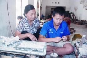 nguoi phu nu truyen nghe nhan dao cong dan thu do uu tu 2012