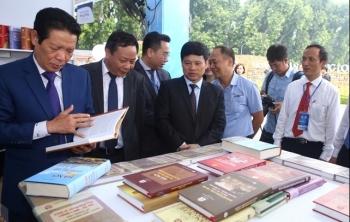 """Rộn ràng Hội sách """"Hà Nội - Thành phố vì Hòa bình"""""""