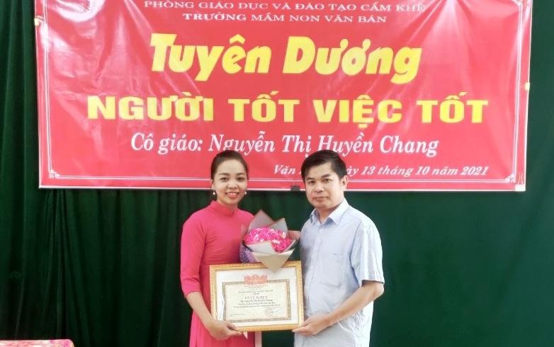 Phú Thọ: Tặng giấy khen cho cô giáo nhặt được của rơi trả người đánh mất