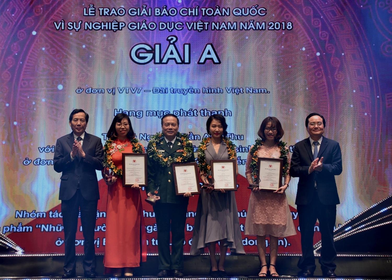 """43 tác phẩm đoạt giải báo chí """"Vì sự nghiệp giáo dục Việt Nam"""""""