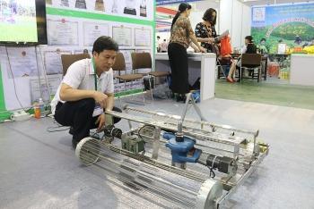 trung bay san pham cong nghe nong lam ngu nghiep tien tien tai vietnam growtech 2018