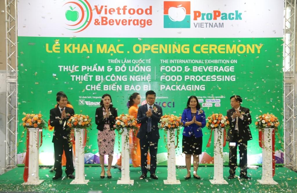 trung bay gioi thieu thiet bi cong nghe che bien thuc pham va do uong tai vietfood beverage propack 2019