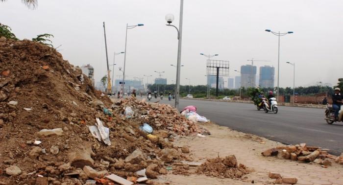 Hà Nội: Đường nghìn tỉ thành bãi... chứa rác