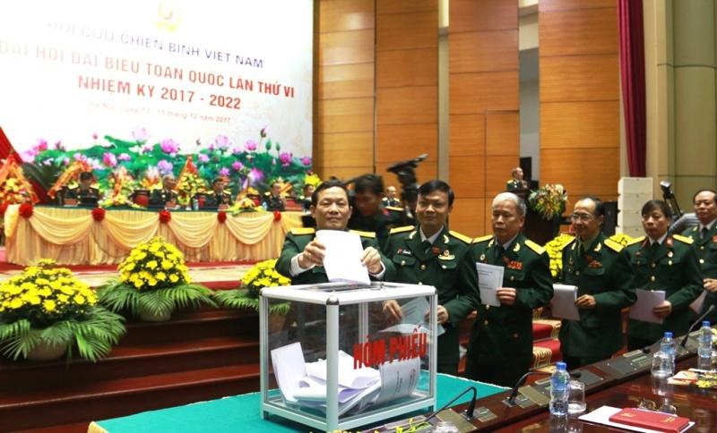 98 dong chi trung cu ban chap hanh trung uong hoi cuu chien binh viet nam khoa vi