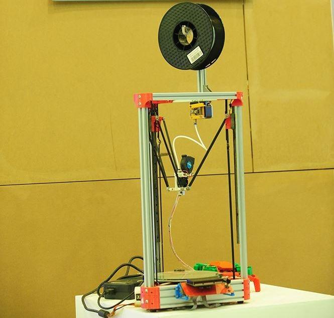 robot may in 3d duoc trung bay tai trien lam khat vong sinh vien viet nam