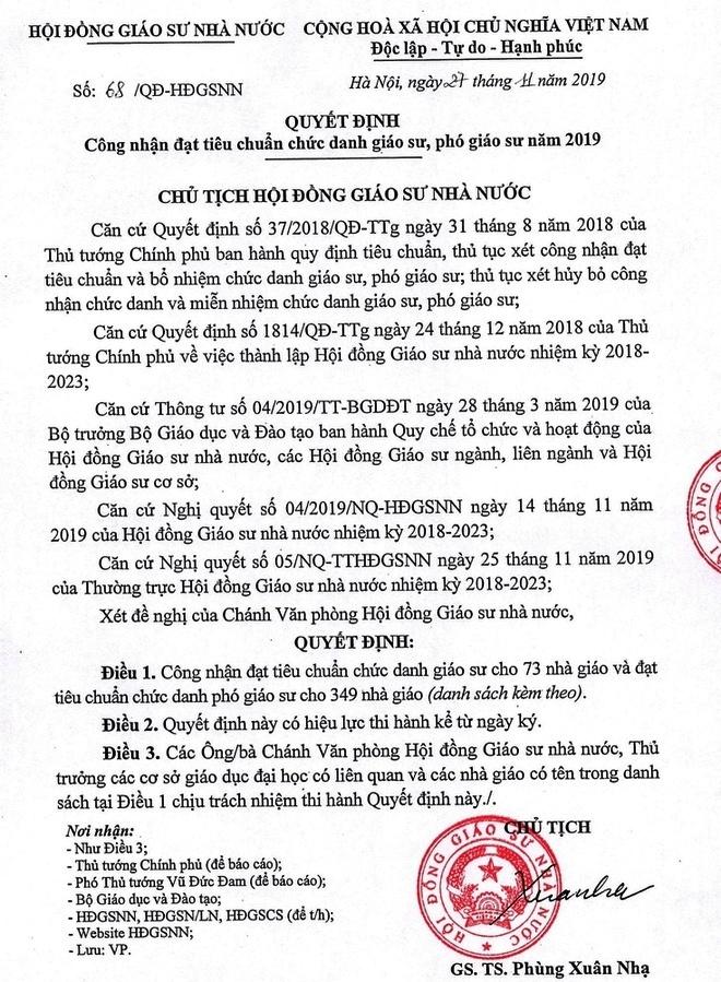 cong nhan 422 giao su pho giao su nam 2019