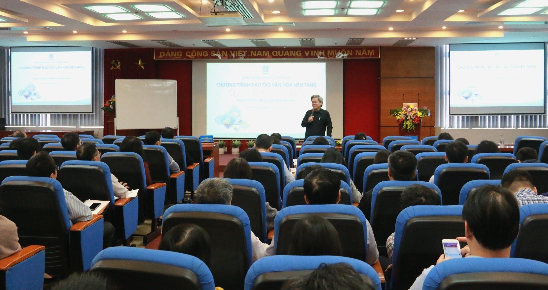 """Petrovietnam tổ chức Chương trình đào tạo Văn hóa nền tảng """"Quản trị cuộc đời"""""""