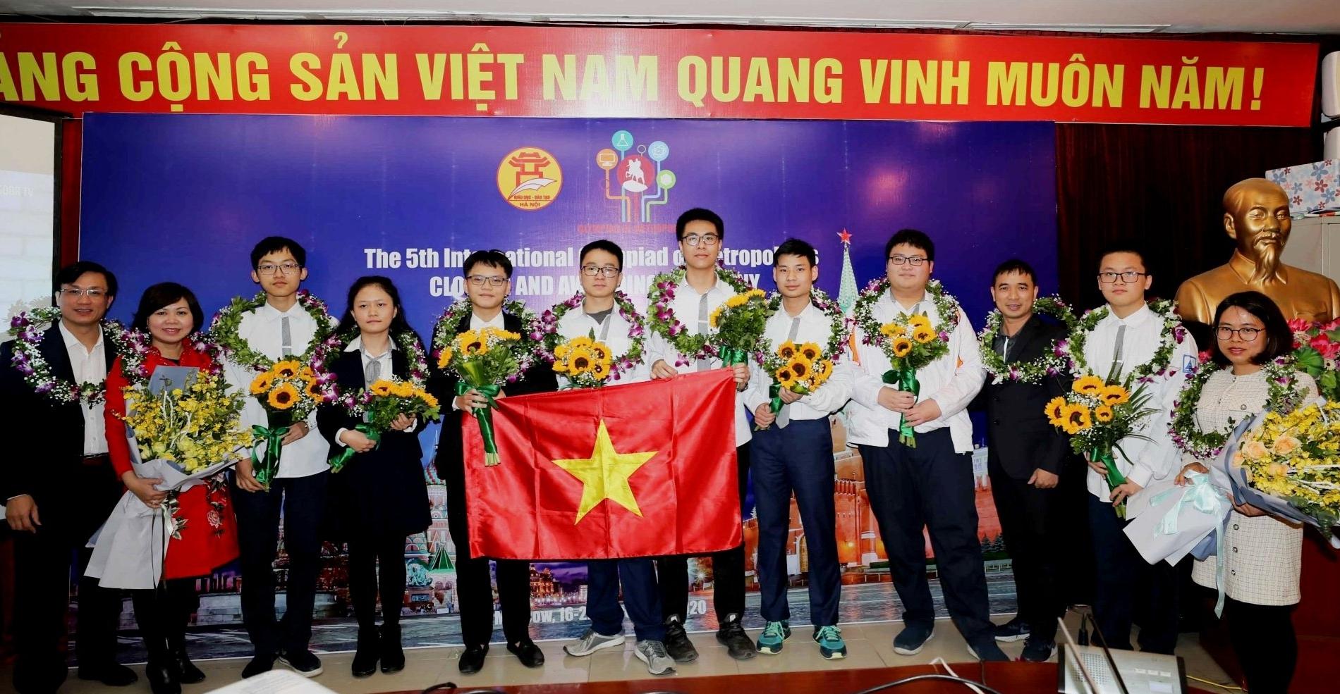 Học sinh Hà Nội đoạt cúp Bạc đồng đội kỳ thi Olympic quốc tế IOM