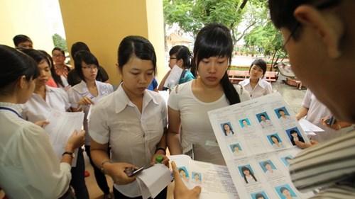 Hơn 1 triệu thí sinh làm thủ tục dự thi THPT Quốc gia 2015