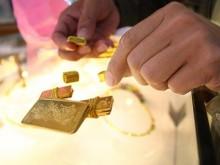 Bắt 'nữ quái' chuyên dùng vàng giả để cầm cố