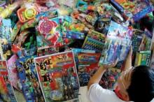 Miếng dán đồ chơi Trung Quốc gây vô sinh?