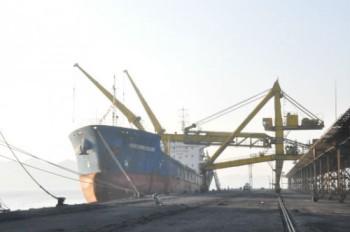 TKV tiêu thụ 33.700 tấn than ngày mùng 1 Tết