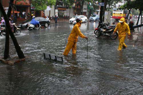 Hà Nội sẵn sàng chống úng ngập do bão số 6