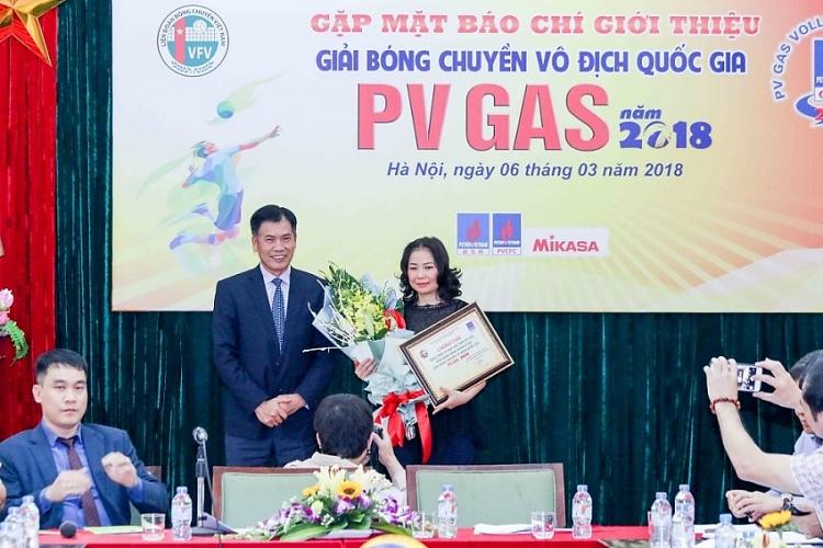 khoi dong giai bong chuyen vo dich quoc gia pv gas 2018