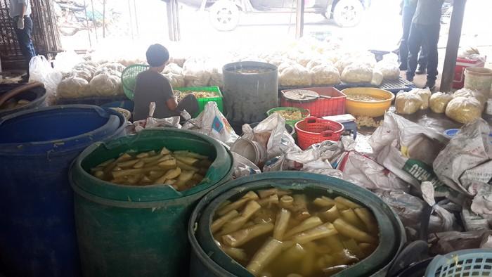 tp hcm lai phat hien mang chua chat nhuom mau