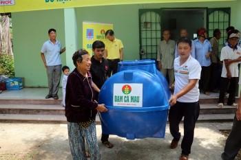 PVCFC tiếp tục hỗ trợ người dân vùng xâm mặn