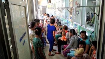 TP HCM: Nắng nóng gay gắt, bệnh nhi nhập viện tăng cao