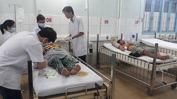 Cả gia đình nguy kịch, một bé trai tử vong nghi ngộ độc