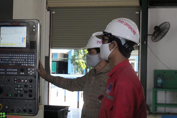 pv drilling cham lo cho nguoi lao dong trong thang cong nhan