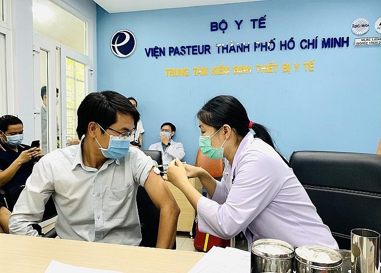 TP HCM tổ chức tiêm vaccine Covid-19 cho hơn 80 nhà báo, phóng viên