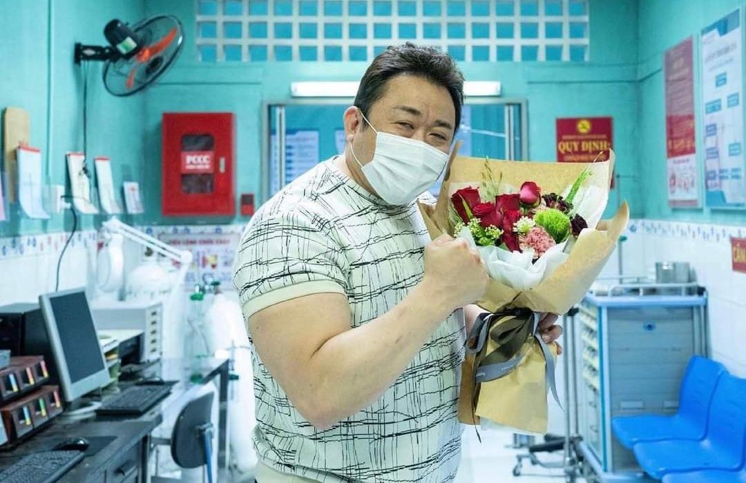 """""""Ông chú cơ bắp"""" Ma Dong Seok úp mở cảnh quay ở Việt Nam"""