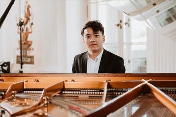 Nguyễn Việt Trung vào chung kết cuộc thi piano quốc tế
