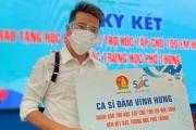 Ca sĩ Đàm Vĩnh Hưng tặng 1,8 tỷ đồng học phí cho trẻ em khó khăn