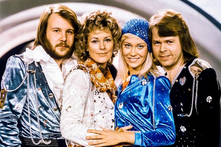 ABBA bắt đầu hoạt động từ năm 1972 với 4 thành viên (từ trái sang): Benny Andersson, Anni-Frid Lyngstad, Agnetha Fältskog và Björn Ulvaeus