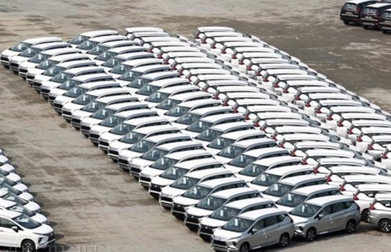 Tháng 7/2021, lượng ô tô nhập khẩu tăng mạnh nhưng giá lại giảm