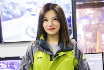 """Triệu Vy không hoàn toàn cô độc sau """"phong sát"""""""