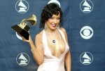 Những kiểu khoe da thịt trên thảm đỏ Grammy