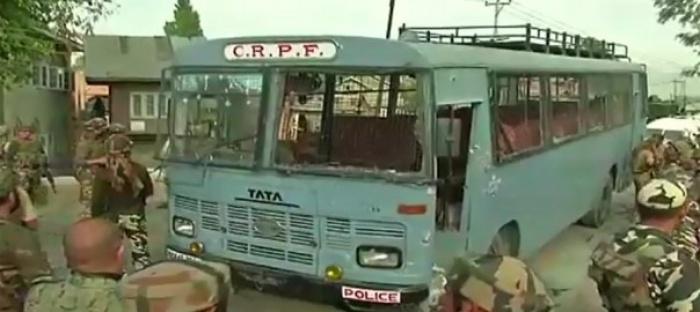 Ấn Độ: Chiến binh Hồi giáo tấn công đoàn xe cảnh sát