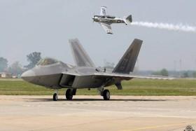 """Chiến thuật tác chiến mới của """"chim ăn thịt"""" F-22"""