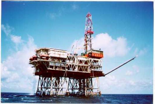 Chu trình công nghệ khai thác dầu khí trên đất liền và ngoài biển