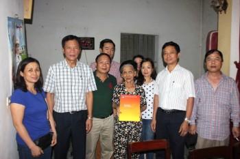 PVEP thăm và tặng quà Mẹ Việt Nam Anh hùng