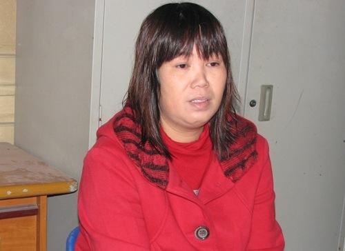 """""""Tú bà"""" Trung Quốc thuê người tán tỉnh thiếu nữ qua mạng"""