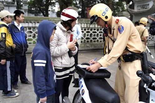 Nộp phạt vi phạm giao thông sẽ bớt 'lằng nhằng'!