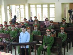 Lý Nguyễn Chung bỏ trốn vì người thân xúi giục