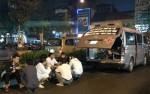 Bắt khẩn cấp 3 đối tượng hành hung lái xe trước cổng bệnh viện Việt Đức