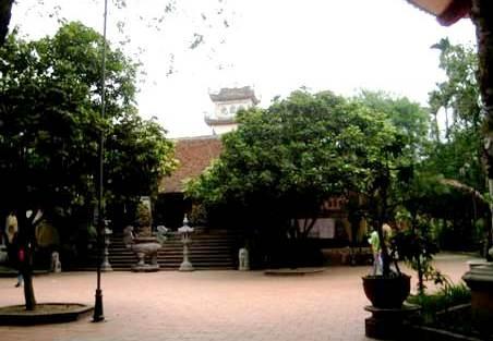 Một phụ nữ vào chùa Bồ Đề bắt cóc bé trai 5 tuổi