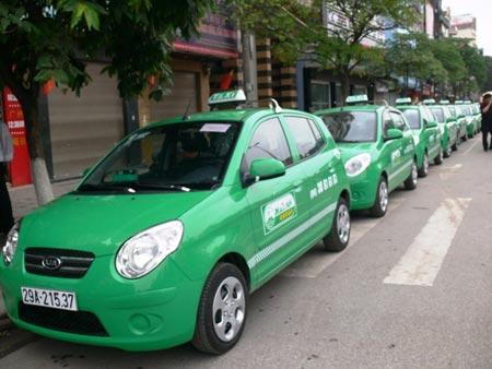 Hà Nội sẽ quản lý taxi bằng phù hiệu mới