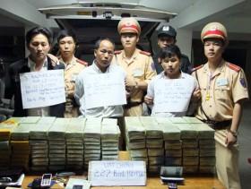 Bắt 3 người Lào vận chuyển 227 bánh heroin