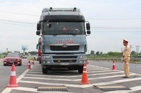 Cao tốc Nội Bài - Lào Cai: Lượng xe quá tải giảm mạnh