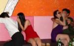 Nữ tiếp viên quán karaoke bị bạn trai đánh đập, cưỡng bức