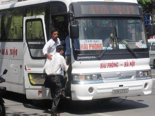 Lái xe khách tuyến Hà Nội - Hải Phòng đánh cả Phó Giám đốc Bến xe Lương Yên