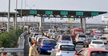 Ùn tắc giao thông dài trên 1km sẽ tạm dừng thu phí