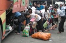 Người dân trở về Thủ đô, đường tắc, bến xe quá tải