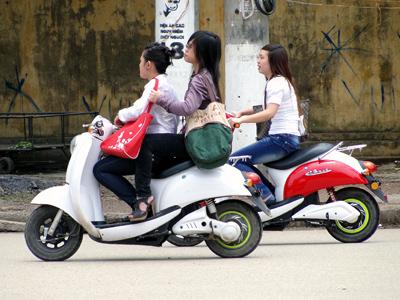 Hà Nội: Xe máy điện vẫn chưa đi đăng ký